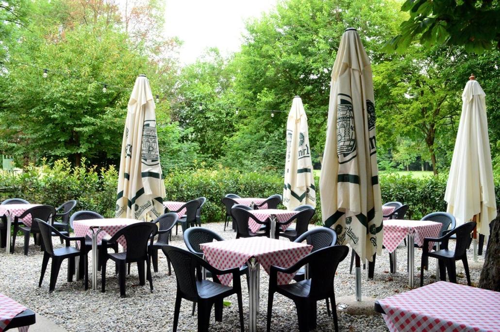 Bar all'aperto parco di Monza
